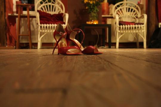 zapatos-baile-rojo-mujer